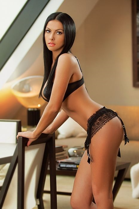 Shiloh-Escort-Girl-Lush-Dolls-London-2